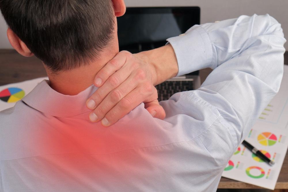 Pokud se po masáži nedostatečně chráníte před prochladnutím, mohou se Vaše svaly stáhnout a způsobovat Vám nepříjemnou bolest. Ilustrační foto: Pixabay.com
